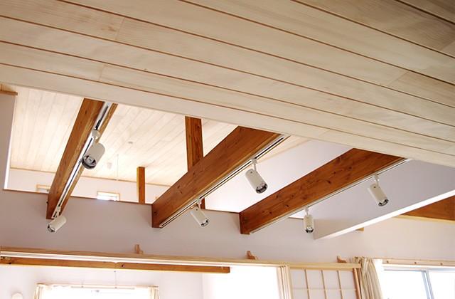 吹き抜け天井 | 里山ならではの自然素材の家&夏は涼しく冬は暖かい知恵満載の家| 建築事例 | 山口建築