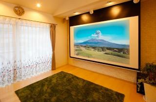 リビングのホームシアター - ヤマサハウス