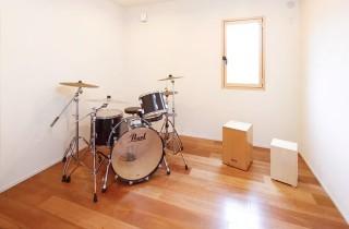 軽く防音した書斎スペース - ヤマサハウス 建築事例