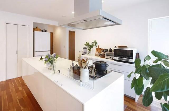 ヤマサハウス 建築事例 - アイランドタイプながら収納力も抜群なキッチン