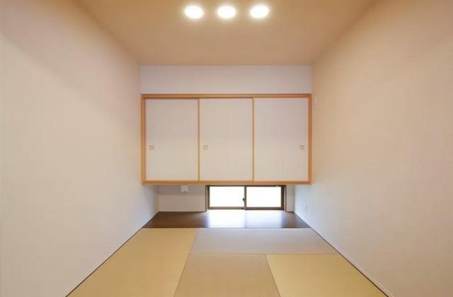 ヤマサハウス 建築事例 - 洋間に違和感なくとけこむLDKからフラットにつながる和室