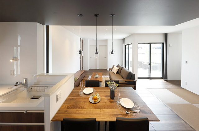 ダイニング - サンライズ石谷モデルハウス「プライベート空間とLDKが心地よく繋がる住まい」(鹿児島市)