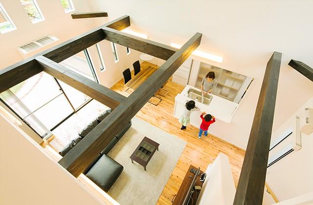 ユウダイホーム シンプルモダンな外観に無垢床のナチュラルな内観と和の雰囲気の中庭のある家 (さつま町)